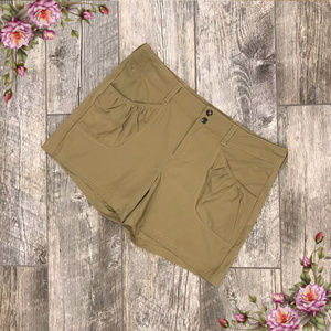 MAKE AN OFFER ;) Athleta very comfortable shorts.